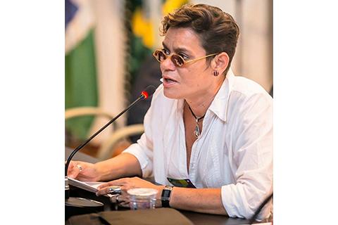 Jacqueline de Oliveira Muniz